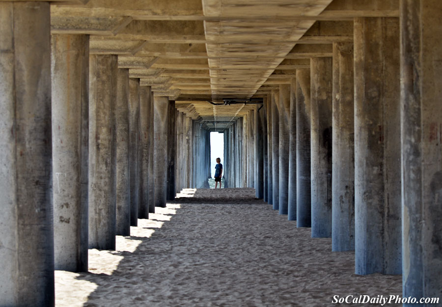 under huntington beach pier