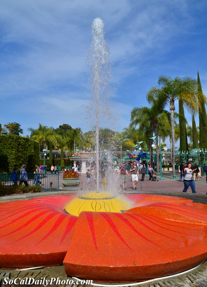 Downtown Disney water fountain