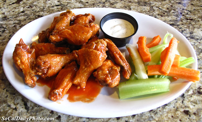 Alondra Hot Wings restaurant