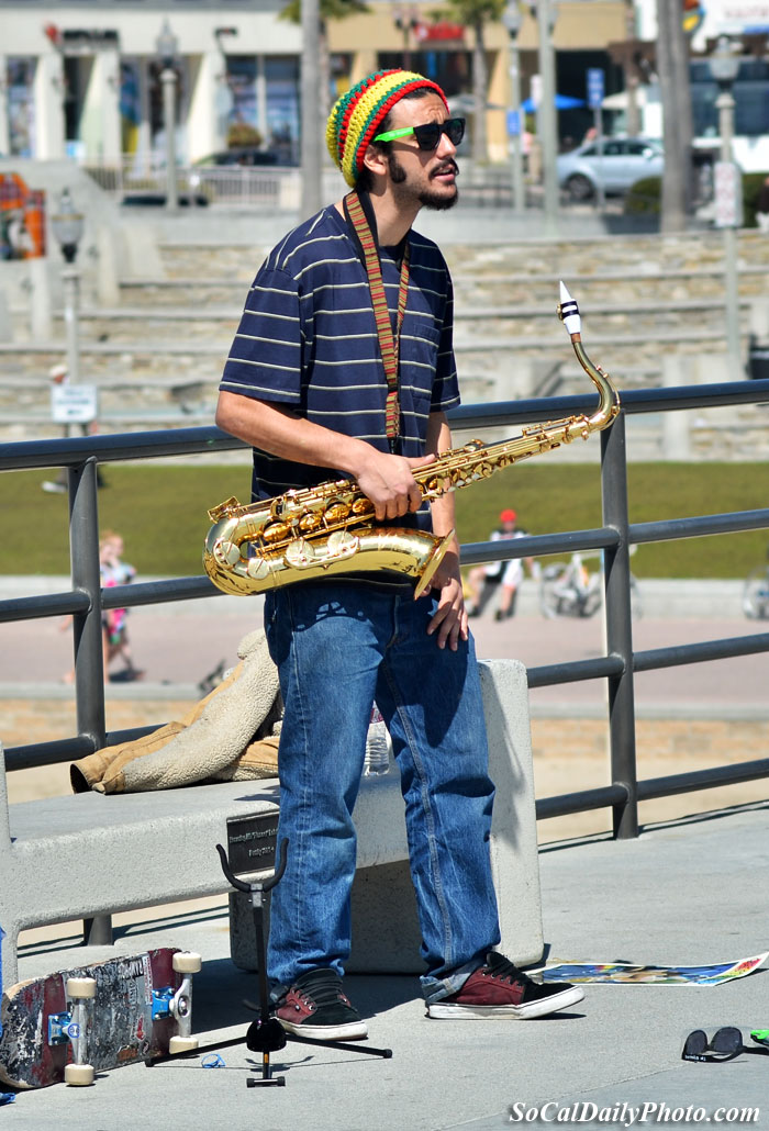 sax performer huntington beach pier